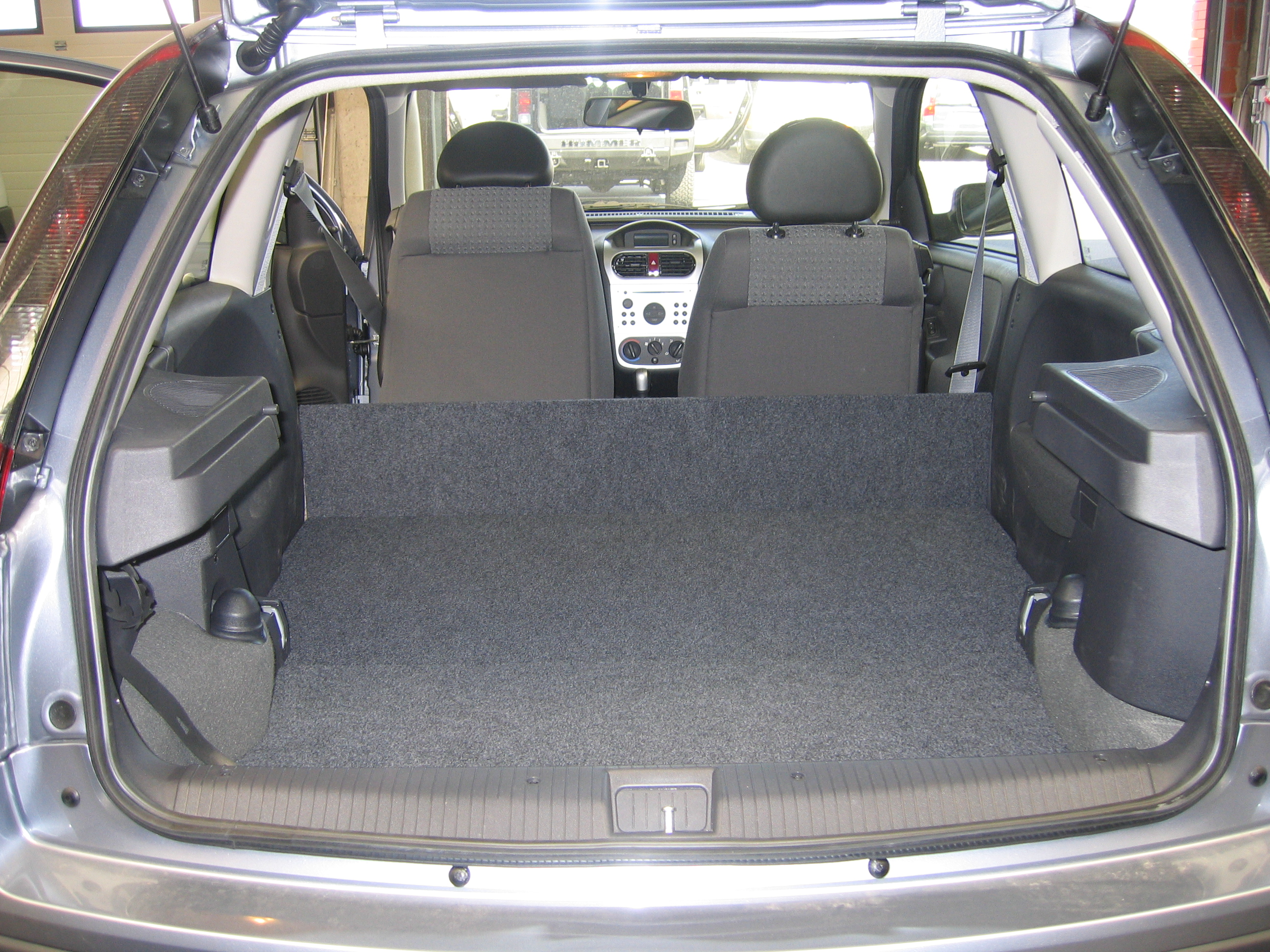 transformer un v hicule en utilitaire aso vous permet de transformer votre vehicule en. Black Bedroom Furniture Sets. Home Design Ideas